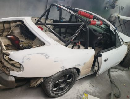 Maxda MX-5 race preparation