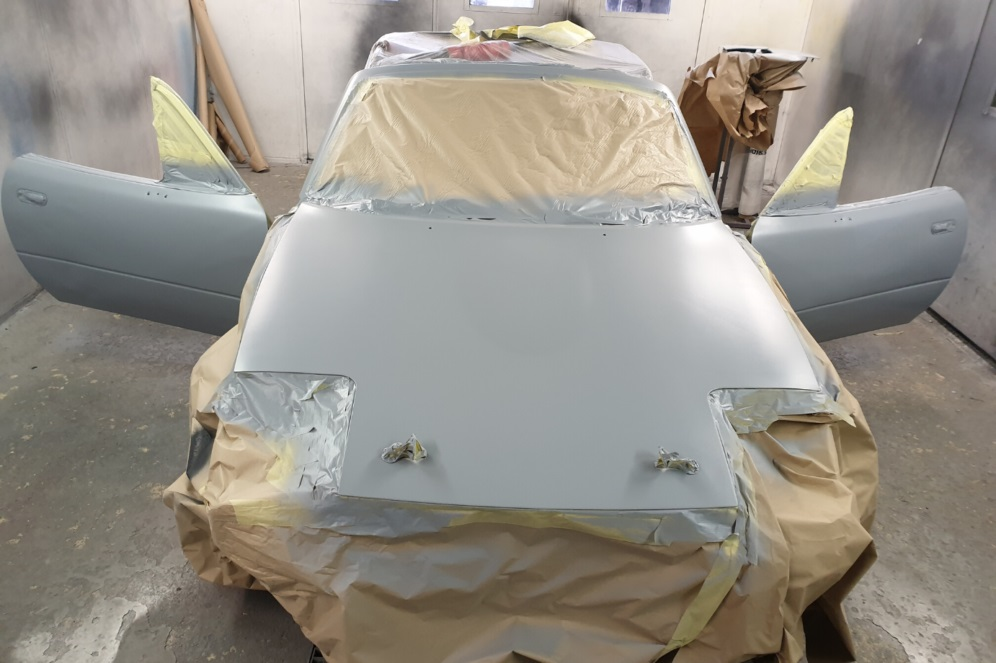 Mazda MX-5 body priming